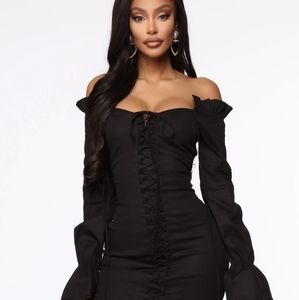 FASHION NOVA black ruched fitted dress size M